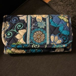 Like New Vera Bradley Velcro Wallet